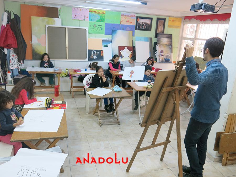 Çocuklarla Ebru Eğitimleri Devam Etmekte Gaziantepda
