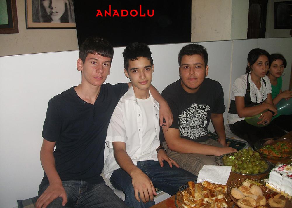 Gaziantepte Anadolu Güzel Sanatları Lisesini Kazanan Öğrenciler