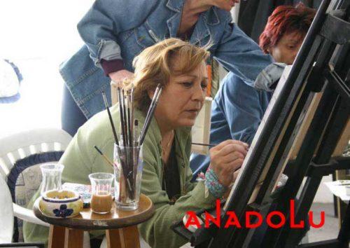 Zeliha Hanım Resim Çalışırken Gaziantepda